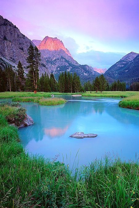 Wind River Range - Wyoming... Ha! And some people actually dare to say America isn't beautiful