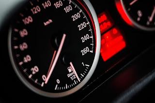 speedometer mobil