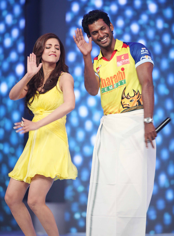 Shruthi hassan at ccl 13