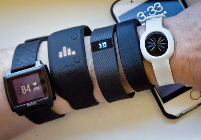 Smartwatch và Fitness khác nhau ra sao