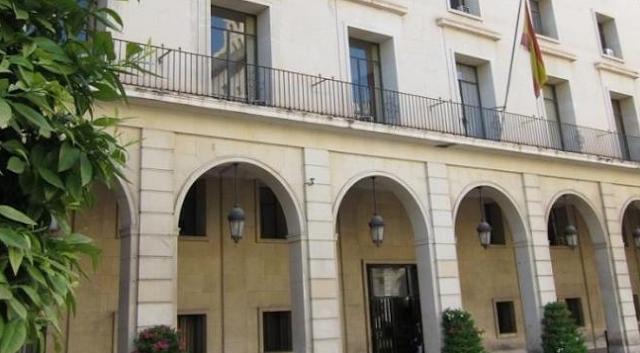 La Audiencia de Alicante juzgará entre el 5 y el 9 de julio a los cuatro acusados de la violación grupal en Callosa