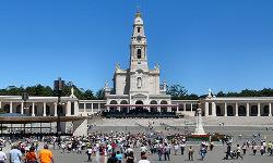 Plaza y santuario de Fátima