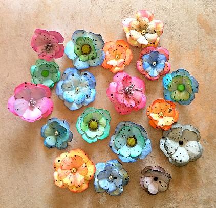Papierowe kwiatki w stylu schabby chick