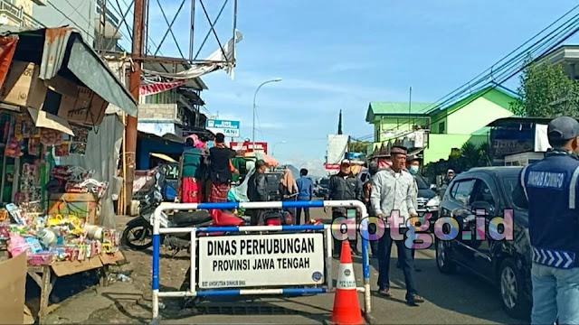 Dataran Tinggi Dieng Pasar Batur Banjarnegara kawasan wisata Dieng Jawa tengah