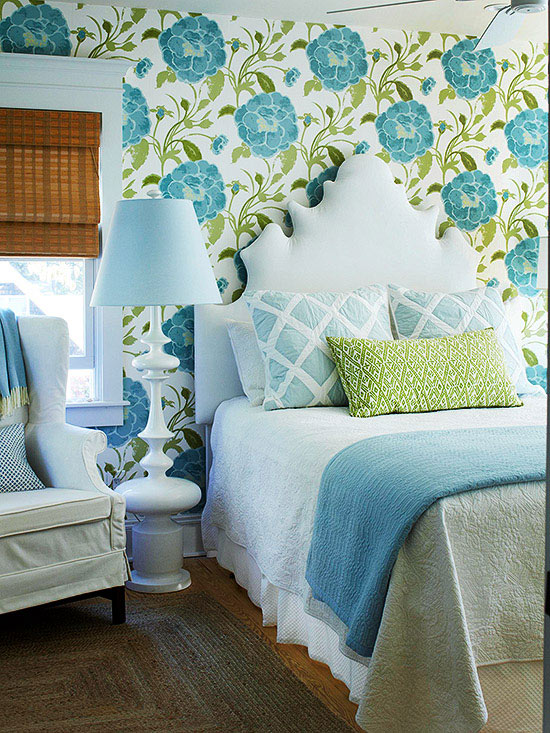 Mix and chic cottage style decorating ideas for Cabin style bedroom ideas