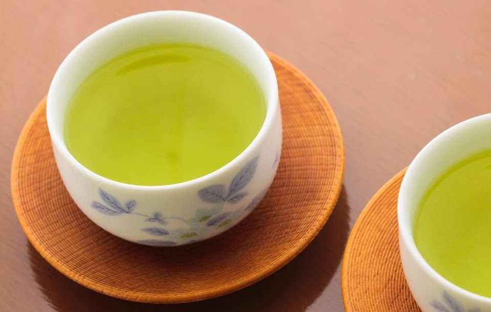 ceaiul verde ajuta la slabit)