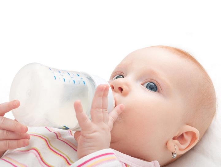 mengatasi cegukan pada bayi