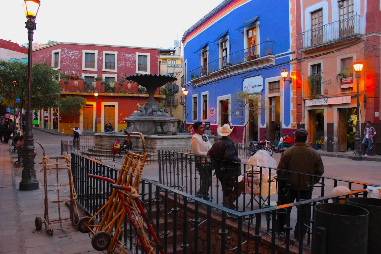 colourful guanajuato street