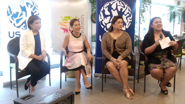 "During the Question and Answer portion, L-R: Top Earning Distributors Mara Pasco (Emerald Director) and Josephine ""Pin"" dela Fuente (9-Star Diamond Director and XTRM 1-11 co-founder); Aurora Claudia ""Duday"" Gaston (Vice President, USANA  Philippines and Indonesia, armed with over 30 years of Direct Selling experience); and Gen Blasurca (Pharmacist, UHS Essentials Health Philippines)."