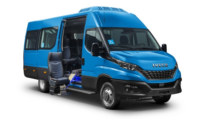 IVECO BUS amplia presença no transporte de passageiros com novas versões da linha Daily