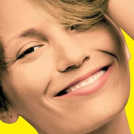 امرأة فتاة بنت تضحك تبتسم شقراء جميلة  woman girl blonde smile beautiful