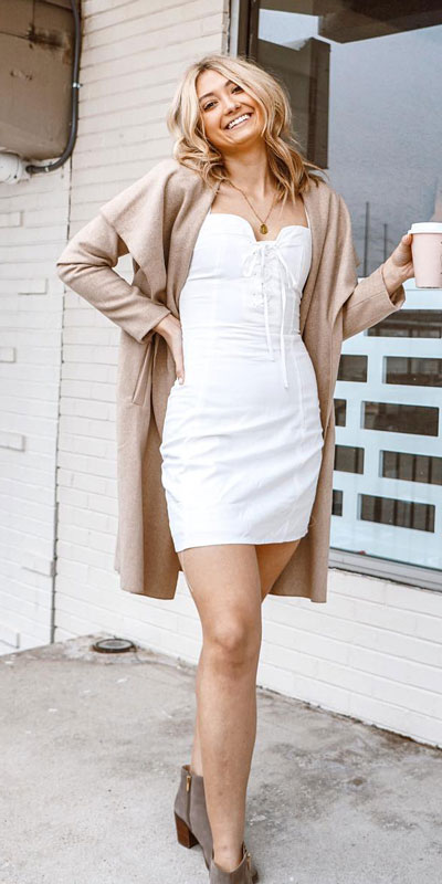 Looking for casual winter outfits? Consider these 23 Fabulous Winter Outfits To Get You Through The Season with Style. Fashion for Women via higiggle.com | coat + mini dress combo | #winter #fashion #dress #coat