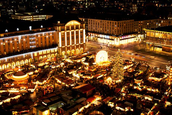 Best Places to Travel in December, Winter Trip Ideas - Chrismas Market in Dresden German