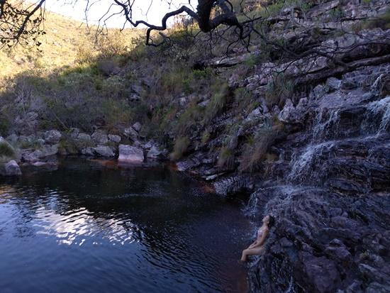 Cachoeira das Andorinhas, Moça Loira e Dona Nena