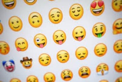 Cara Mudah Menggunakan Stiker Memoji Di WhatsApp