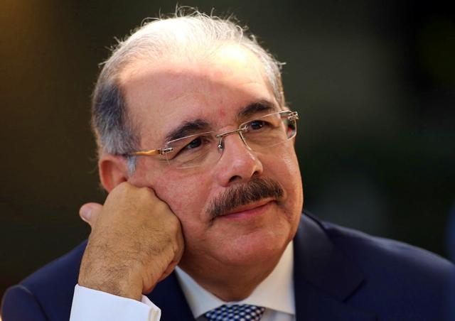 Danilo Medina crea comisión para estudiar Pacto Mundial para la Migración