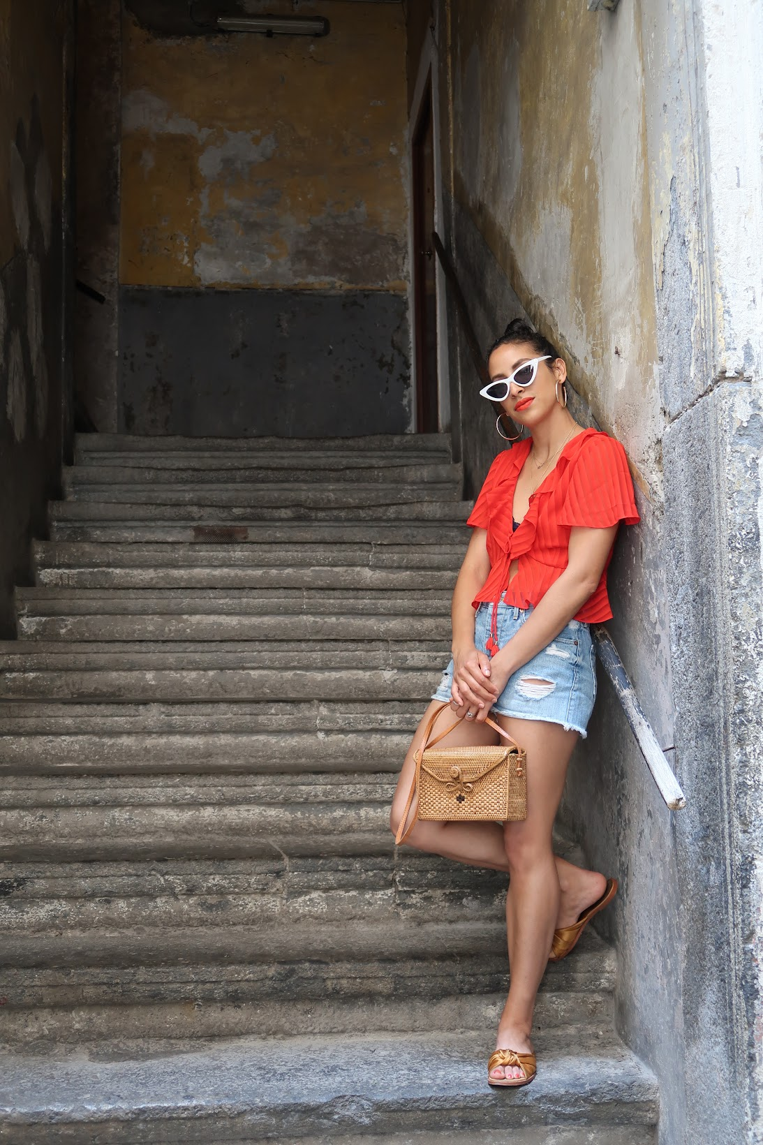 Napoli Italia, Naples italy, what to wear in Naples, Italy, Finders Keepers the label Arcadia top, gold hoops, Bali bamboo rectangle bag, One Teaspoon shorts