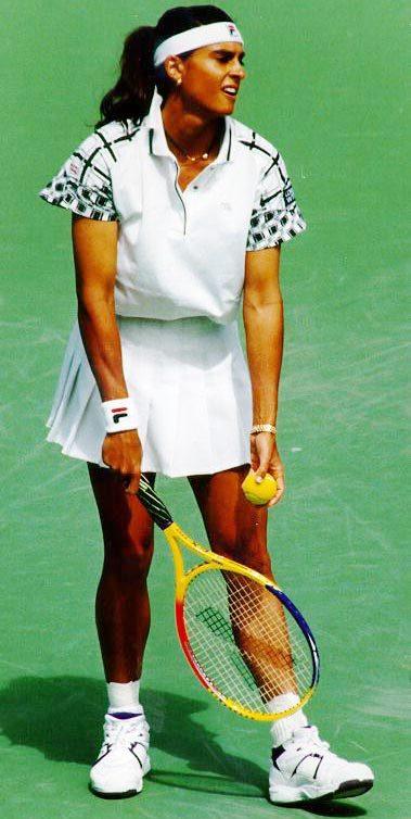 Foto de Gabriela Sabatini jugando tenis