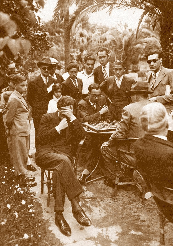 Partida de ajedrez a ciegas. Dr. Àngel Mur - J. Mestres, junio de 1933