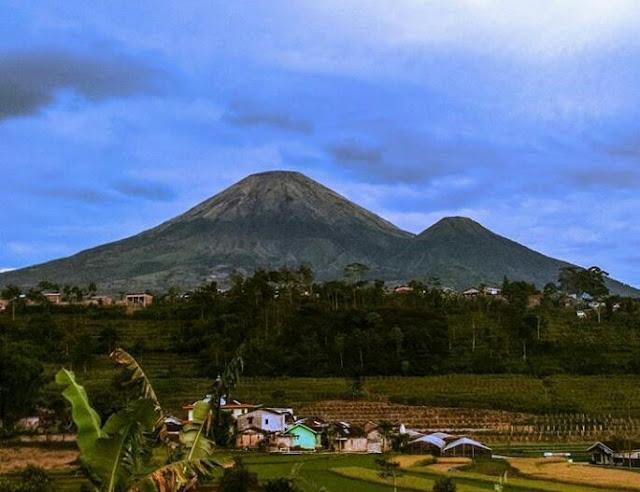 Gunung Sindoro Jawa Tengah