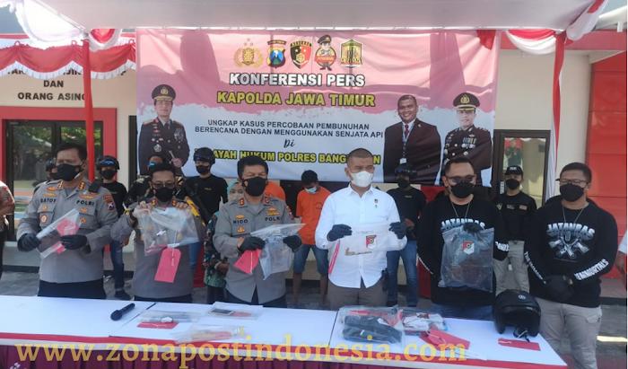 Kapolda Jatim: Tim Gabungan Ditreskrimum Polda Jatim dan Sat Reskrim Polres Bangkalan Ringkus 3 Pelaku Penembakan