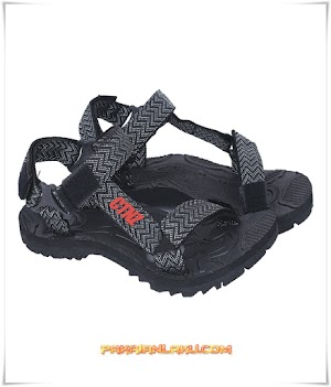 Sandal Hiking Pria Warna Hitam untuk Outdoor