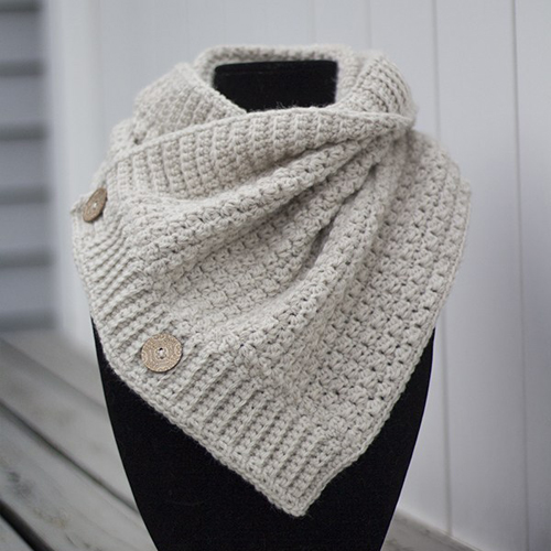 Comfy Squares Buttoned Cowl - Free Pattern