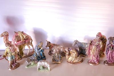 nativity scene-christmas-decor