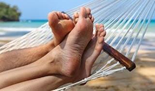Come mantenere i piedi sani,freschi,protetti