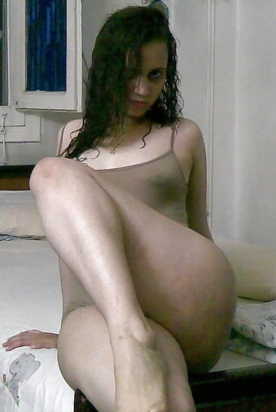 ارسلت صورها لحبيبها فصارت اشهر شرموطة على الانترنت