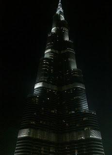 حكايات عن برج خليفة