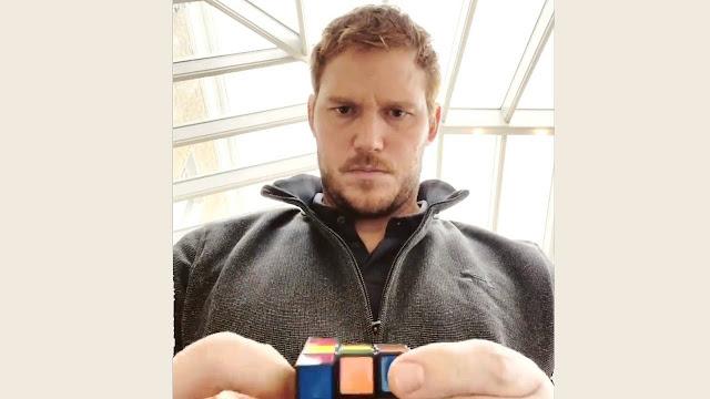 Chris Pratt Solving the 3x3x3 rubi's cube on Facebook