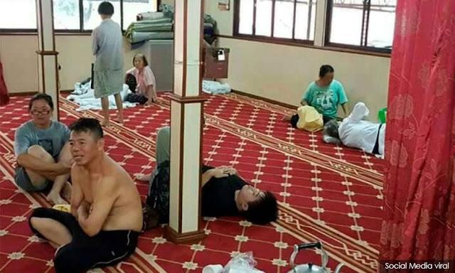 Subhanallah, Banjir Landa Pulau Penang, Marbot Tampung Warga Cina di Surau