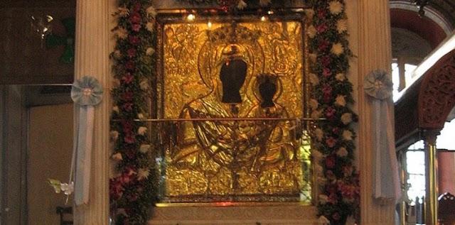 Σήμερα 24 Σεπτεμβρίου, γιορτάζει η Παναγία η Μυρτιδιώτισσα....!!Η Θαυματουργή εικόνα της κάθε βράδυ επέστρεφε μόνη της στις μυρτιές...!!Όταν η εξαφάνιση και επανεμφάνιση της εικόνας συνέβη και τρίτη φορά, κατάλαβαν ότι ήταν θέλημα της Μητέρας του Θεού η εικόνα να παραμείνει εκεί που είχε πρωτοβρεθεί.!!Μια μικρή εκκλησία χτίστηκε εκεί που βρέθηκε η εικόνα και ονομάστηκε Μυρτιδιώτισσα.!!Κάθε χρόνο τέτοια μέρα στα Κύθηρα γίνεται πανηγυρικός εορτασμός στη Μονή Μυρτιδίων !!Το κτήριο μεγάλωσε με τα χρόνια και πολλά θαύματα  συνέβησαν εκεί!H γιορτή στα Κύθηρα κρατάει 15 μέρες!!.
