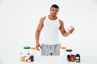 Persona consumiendo esteroides