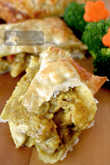 Japanese curry chicken puff pastry pies