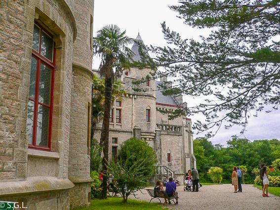 Chateau d'Abbadia. 6 rutas lowcost en coche