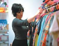 Αποτέλεσμα εικόνας για Πωλήτριες σε κατάστημα γυναικείας ένδυσης