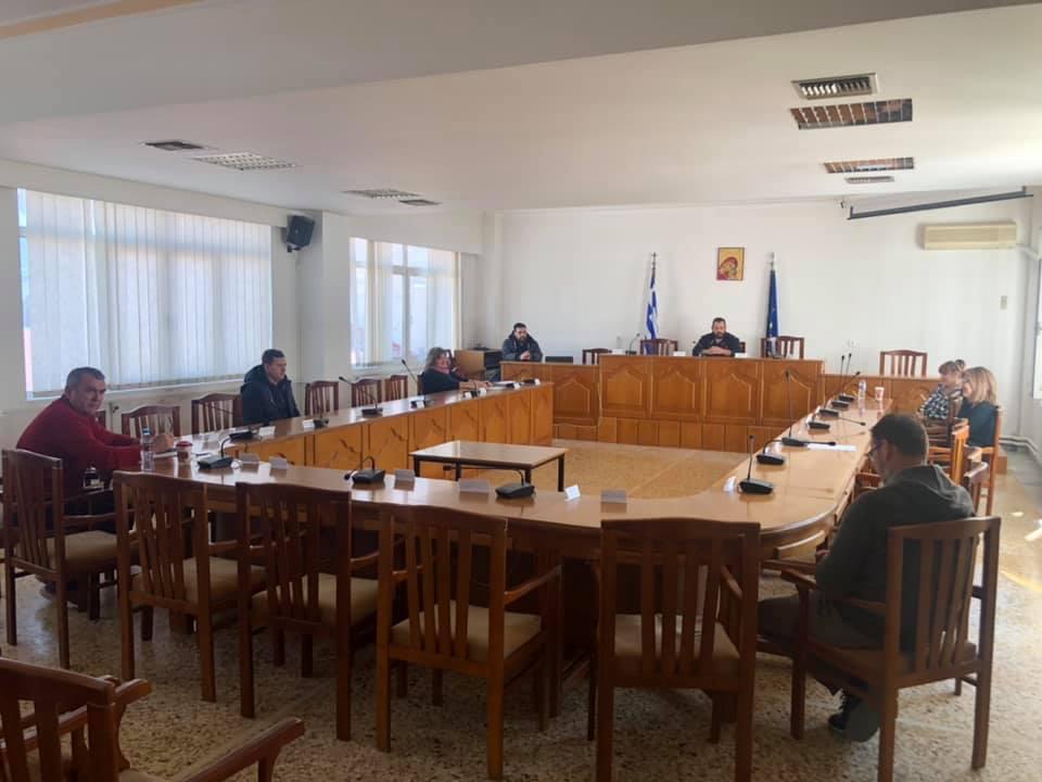 Έκτακτη σύσκεψη στον Δήμο Τυρνάβου