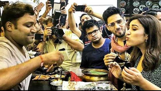 Jabariya Jodi Duo Siddharth Malhotra and Parineeti Chopra Eats Pan
