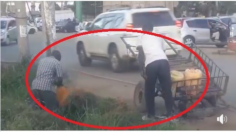 Nairobi vendors  spotted fetching dirty water from an open trench, this is the water you buy in the estates(Video)