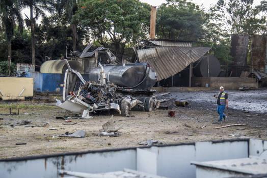 Suben a cinco los muertos por explosión en planta de aceite