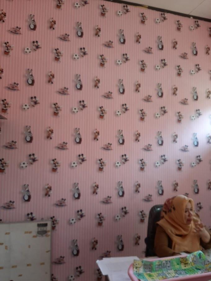 Jasa Pasang Wallpaper Sticker