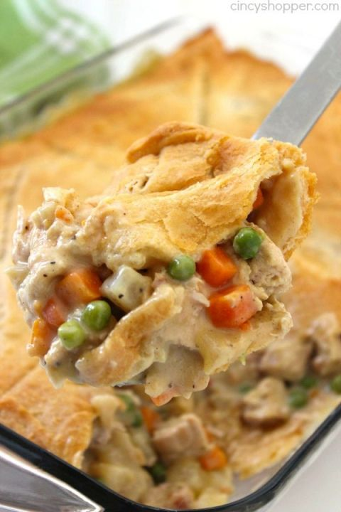 CHICKEN POT PIE CASSEROLE #recipes #dinnerrecipes #dinnerideas #easydinnerideas #easydinnerideasfor4 #food #foodporn #healthy #yummy #instafood #foodie #delicious #dinner #breakfast #dessert #yum #lunch #vegan #cake #eatclean #homemade #diet #healthyfood #cleaneating #foodstagram