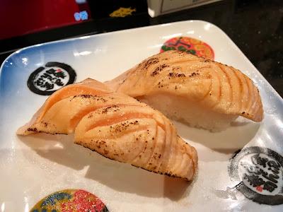 金沢まいもん寿司の炙りサーモン