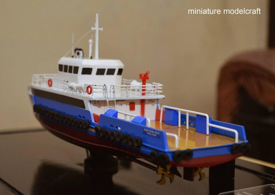 harga miniatur kapal crew boat cb peacock satu milik pt baruna raya logistics termurah