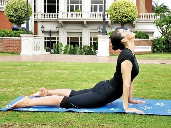 भुजंगासन (Bhujangasana - Cobra Pose) Surya Namaskar (Yoga)
