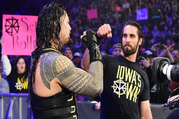 رومان رينز يتحدث عن انقلاب جماهير WWE على سيث رولينز