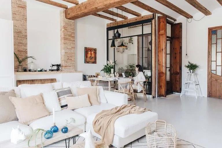 Bright Spanish apartment with Mediterranean spirit