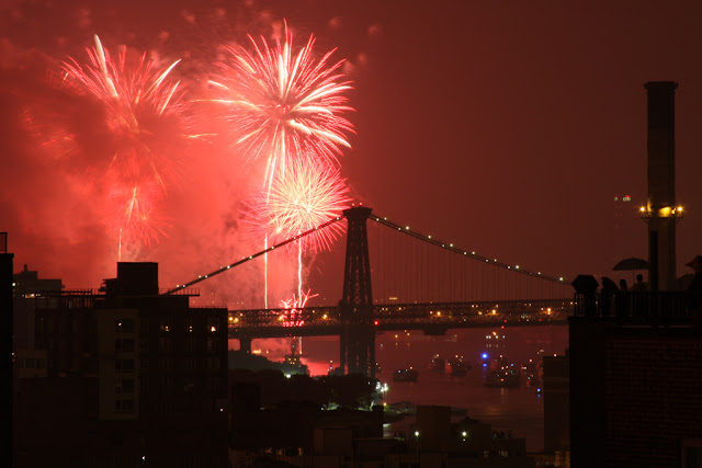 New Year's Eve: the Fireworks from Brooklyn